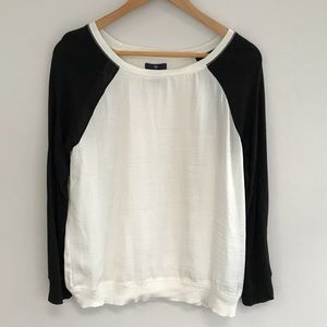 Gap long sleeve shirt. Size small